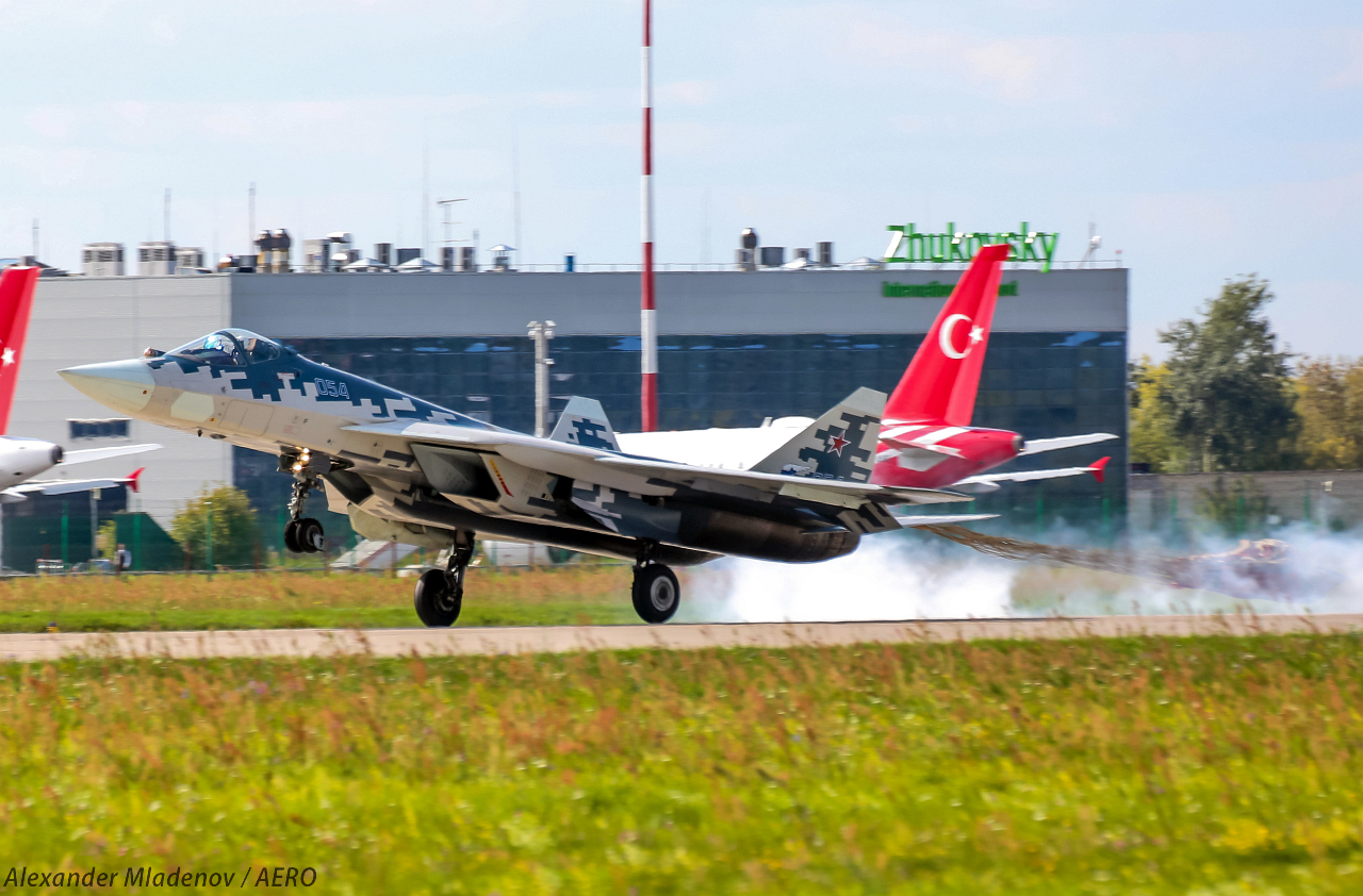 Су-57 кацане на МАКС