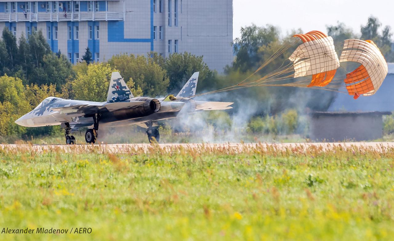 Су-52 кацане МАКС 2019
